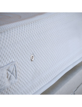 Close up picture of the white de-luxe house mattress